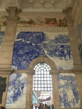 The tiles cover the walls as spectacular art.