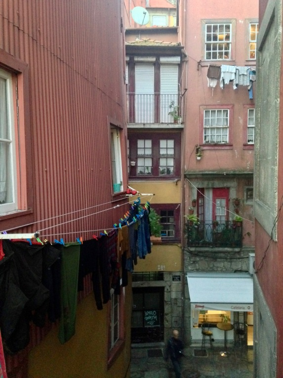 A peek into everyday life in Porto.