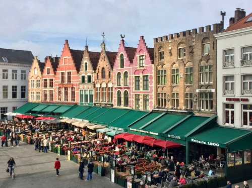I hopped off my bike and went up into the second-story bar for an overview of Grote Market.